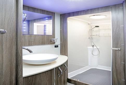 Auto-Sleeper Broadway EB 2018 Bathroom