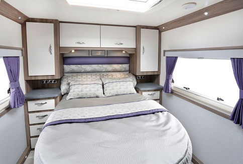 Auto-Sleeper Corinium RB 2018 Fixed Rear Bed