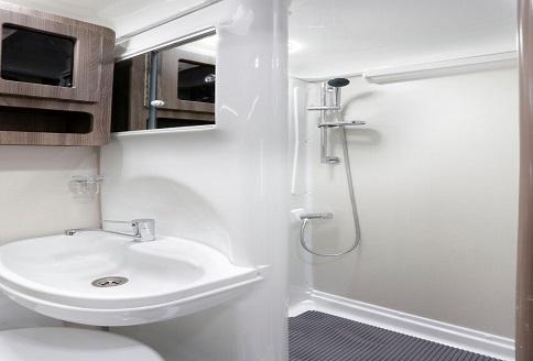 Auto Sleeper Nuevo ES 2018 Bathroom