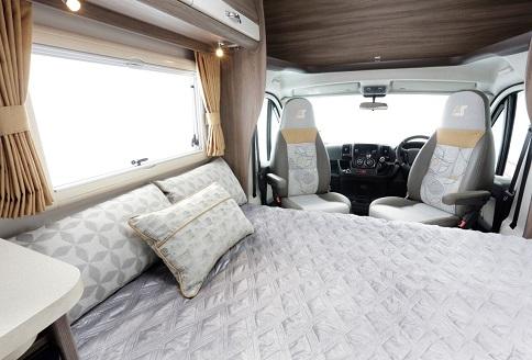 Auto Sleeper Nuevo ES 2018 Double Bed