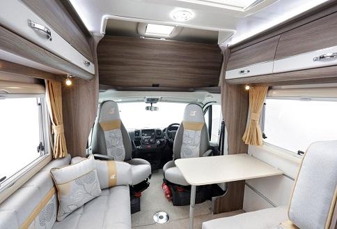 Auto Sleeper Nuevo ES 2018 Lounge Table