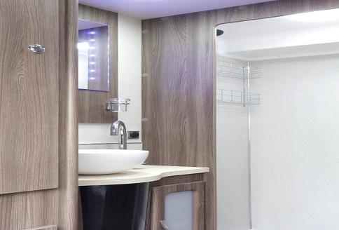 Auto-Sleeper Winchcombe 2018 Bathroom