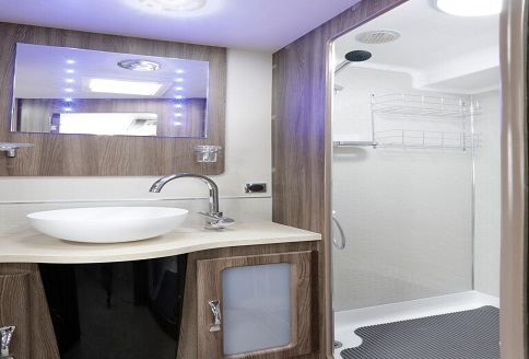 Auto-Sleeper Winchcombe 2018 Shower